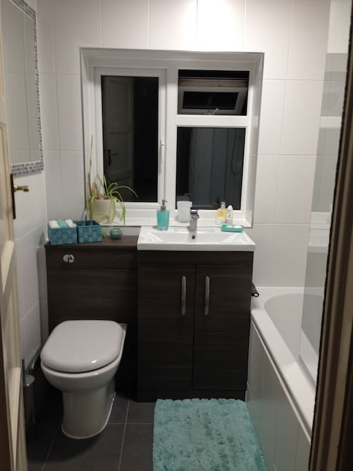 Our very recent NEW bathroom for you to enjoy!