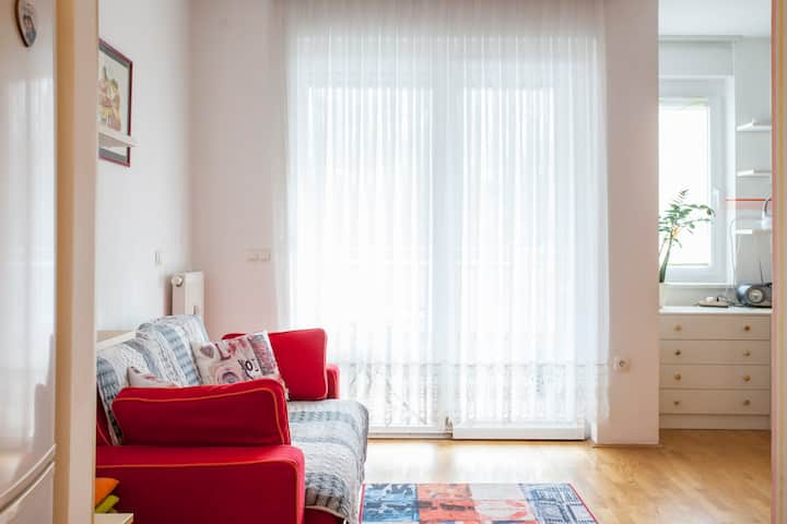 Quiet and comfortable studio near city center