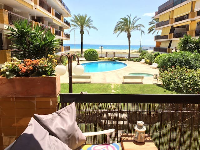 Great Seafront view near Barcelona! - Castelldefels - Bed & Breakfast
