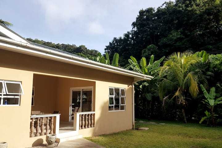 The Banana Villa H1 on Mahe |