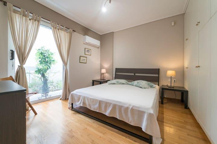 Romantic apartment near Acropolis and Plaka