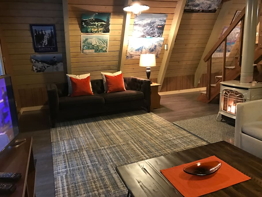 Tye haus a frame cabin cabins for rent in skykomish for Tye river cabin co
