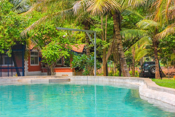 Pool Villa W/ all meals in Mysore