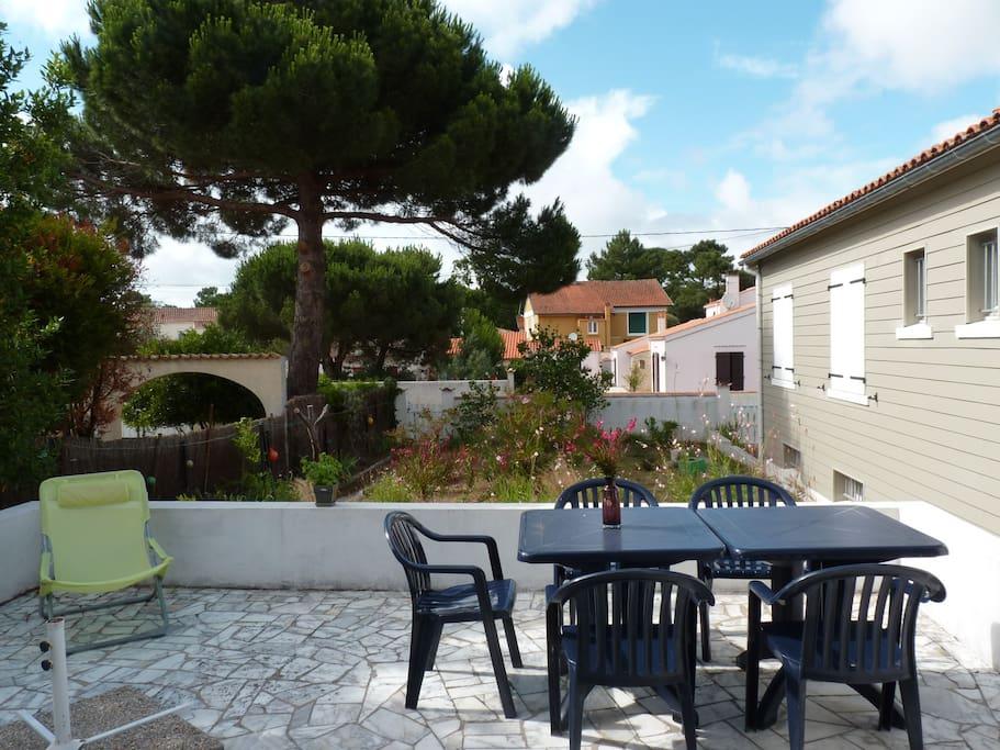 Maison familale 50 m de la mer maisons louer saint trojan les bains poitou charentes - Terrasse jardin botanique montreal poitiers ...
