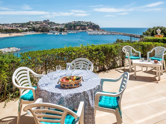 Apartment with sea views in Sant Feliu de Guíxols