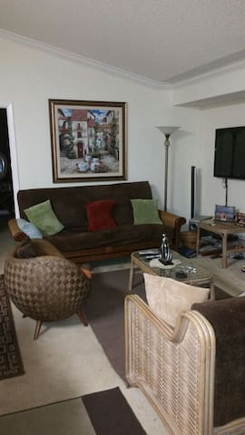 Comfortable and Well Situated - Tamarac - Flat