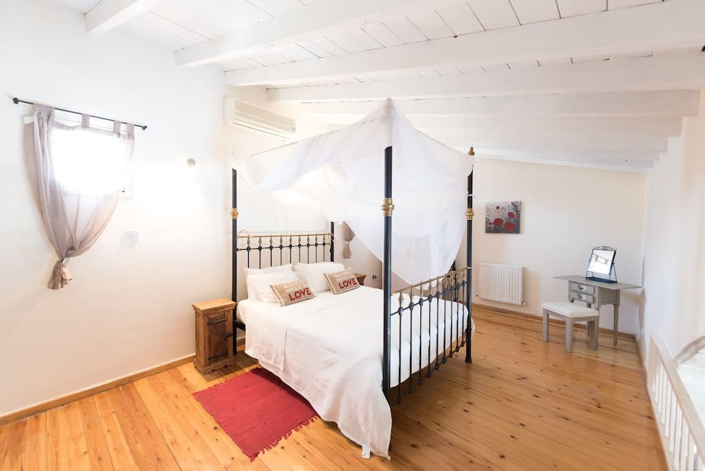 One of our 8 beautiful, cosy bedrooms in the Danae complex