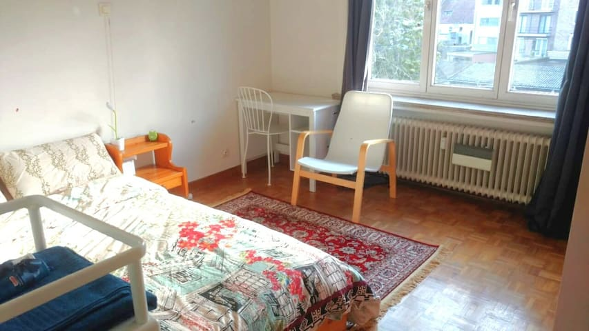 Bedroom with comfort of entire place near station