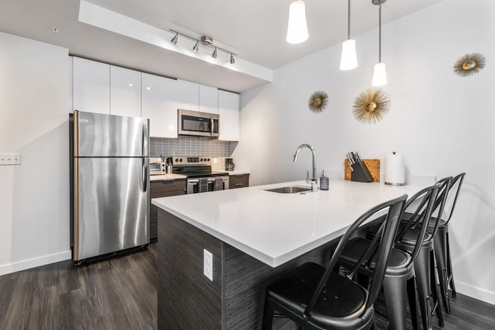 Tacoma Downtown | Clean Luxury Modern 1BR 1BA - 6