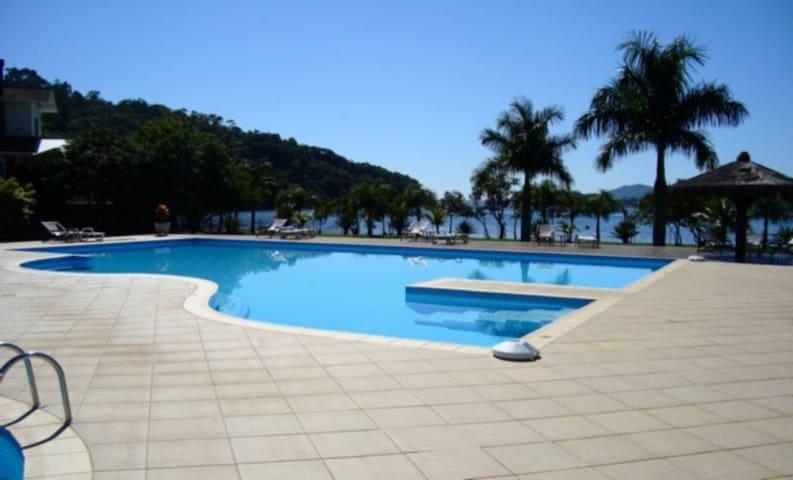 Apto 1 dorm em cond dos sonhos - Florianópolis - Pis