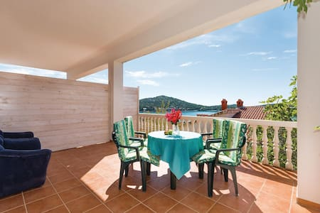 Holiday apartment with 1 bedroom on 39m² in Tisno