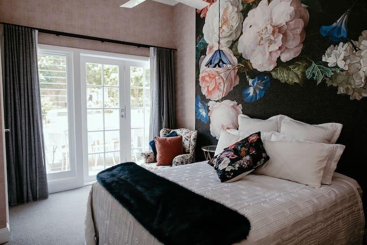 Chanticleer Gardens Rose Room Cottage