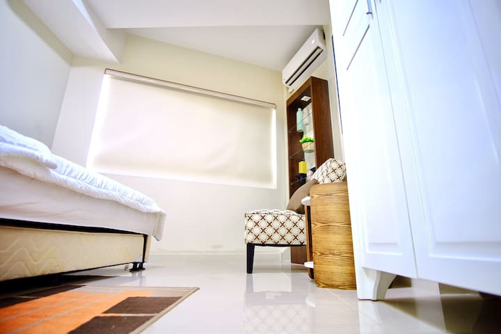 Mall of Asia - One bedroom w/ Wifi, near airport