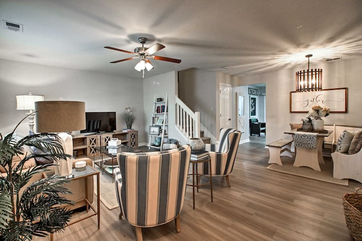 NEW! Townhome w/Pool -15Mins to Downtown Savannah!