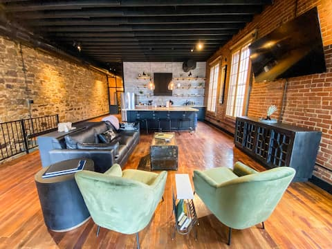 French Quarter Style Loft in Historic Okmulgee
