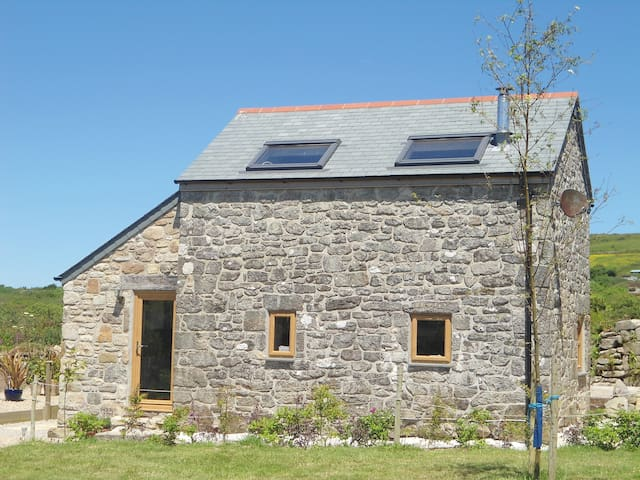The Barn at Tremorvu - Helston - Casa