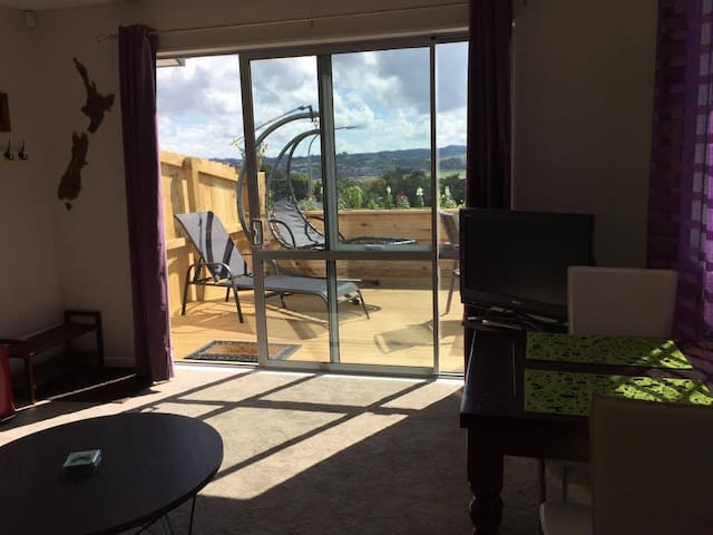 Private granny flat close to Orewa Beach - Auckland - Outro