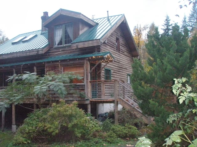 Log Home on Thundercreek - Sedro-Woolley - Dom