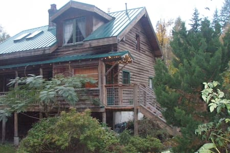 Log Home on Thundercreek - Sedro-Woolley - บ้าน