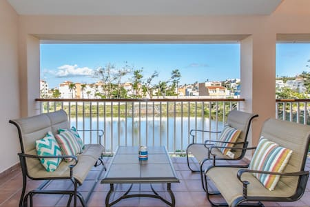 Tradewinds Villa   Private Rooftop and Lake Views