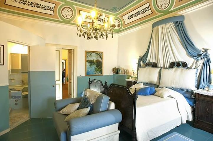 Villa di charme  per 2,  vista mare, Leni Salina
