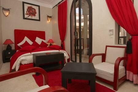 RIAD ISIS SPA - Marrakesh - Guesthouse