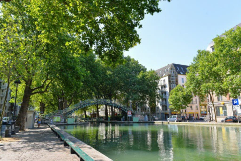 charming studio on the canal saint martin apartments for rent in paris le de france france. Black Bedroom Furniture Sets. Home Design Ideas