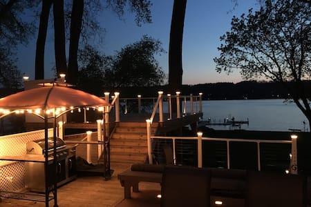 Cozy Waterfront Retreat on Conesus Lake