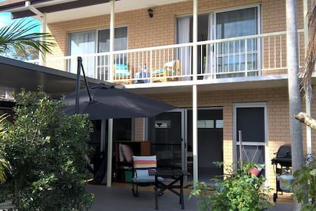 """""""Seahorse Cottage"""" Iluka NSW"""
