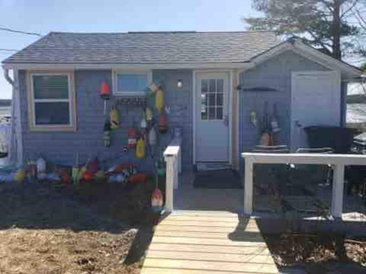 Cozy Oceanside Cottage/Near Acadia {Salty Suite}