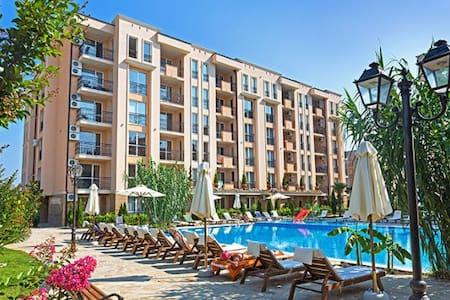Уютная квартира в престижном комплексе Болгарии - Слънчев бряг