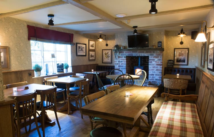 Red Lion Inn - Traditional Country Inn