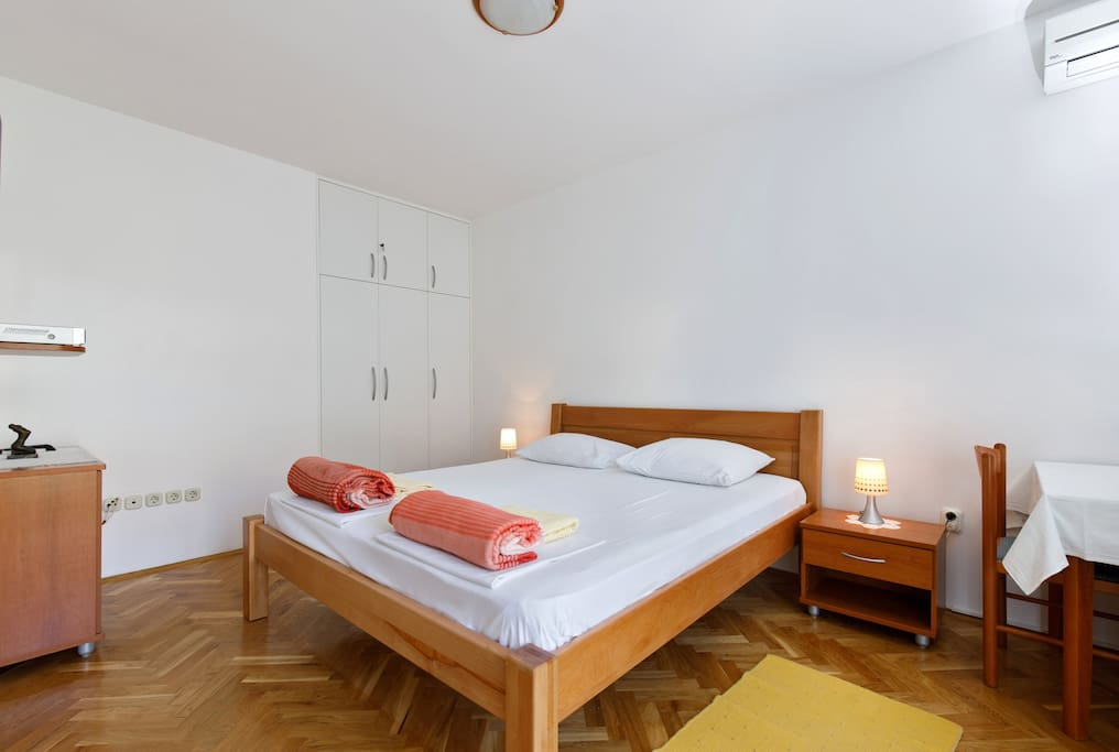 Double bed,wall cabinet