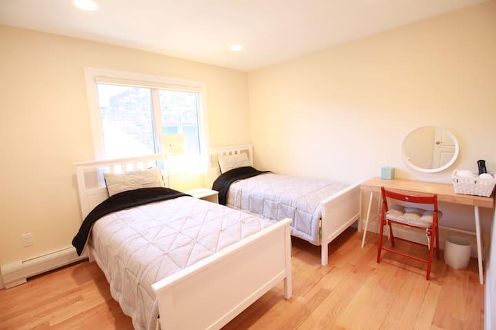 Modern, spacious, and peaceful house!!
