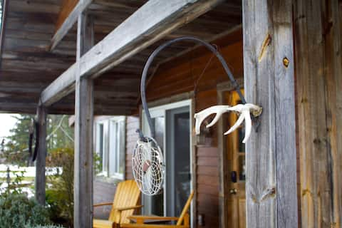 The Cottage @ Chestnut Hill Guest House & Farm
