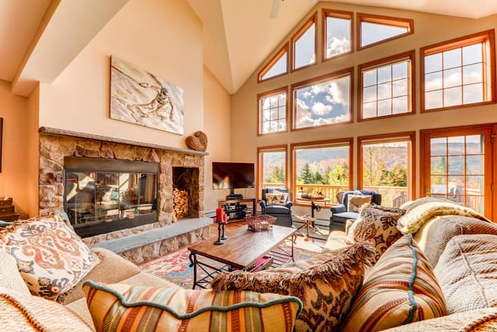 H4 Luxury Stone Hill home in Bretton Woods! HOT TUB!