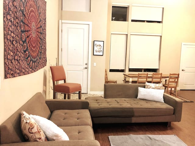 Pet Friendly Bohemian Loft by Cherry Creek Mall!