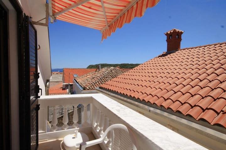 Apartamenty typu studio z balkonem Susak (Losinj) (AS-8047-a)