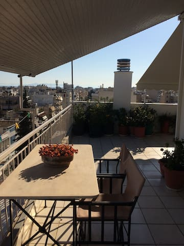 Room & view for practical travelers - Kallithea - Wohnung