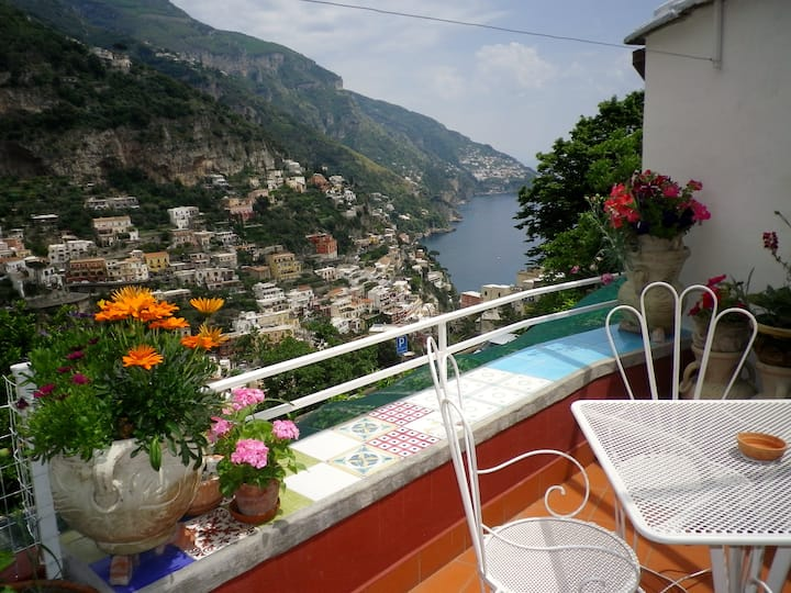 Olivia-Great Views & Location