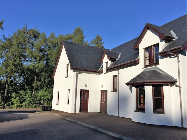 Nevis Croft Cottages, Cottage 2, Glen Nevis