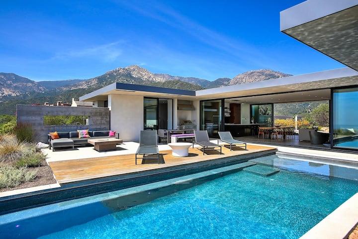 Luxury Hilltop Home w/ Epic Views, Pool & Hot Tub