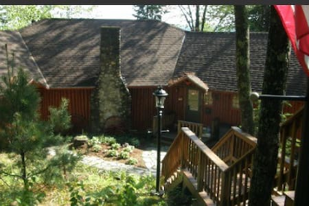 Waterfront Log Home 2,800 SF - Madison