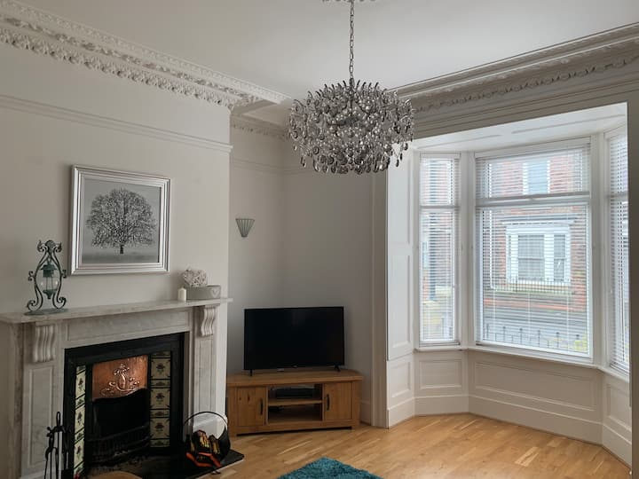 Gorgeous period house-Central Sunderland