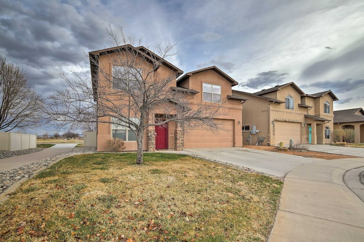 Grand Junction House w/ Media Room & Fire Pit!