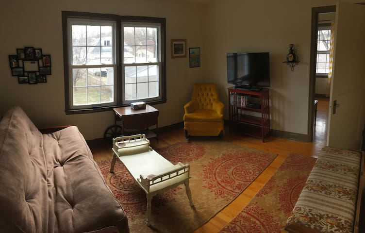 Cozy Treehouse Garage Apartment - Louisville - Appartement