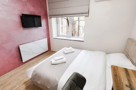 Апартаменты-студио в центре Киева (902)