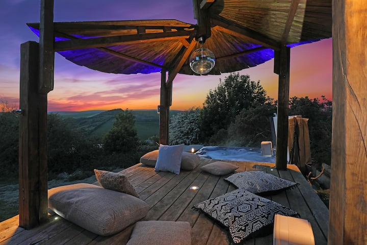 Paradise Ranch on the South Downs with Hot Tub