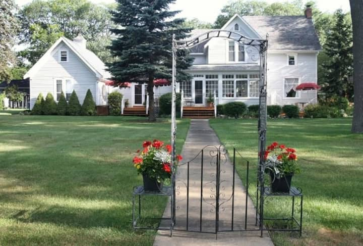 East Tawas Junction Bed and Breakfast Inn