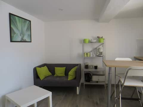 Fully independant studio in the centre of Cuers